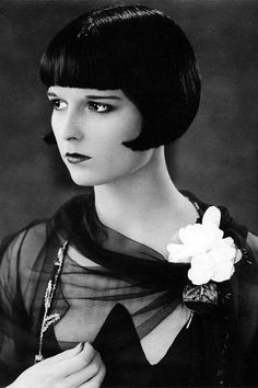 Although popular conceptions of the Jazz Age suggest that every fashionable woman bobbed her hair during the 1920s, some women did keep thei...