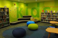 Children's Library Design Inspirations in a Modern and Minimalist Style School Library Design, Kids Library, Elementary Library, Classroom Design, Classroom Decor, Library Ideas, Public Library Design, Bookstore Design, Class Library