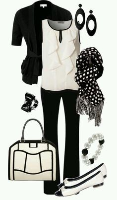 BLACK AND WHITE! O_O Amazing bag!