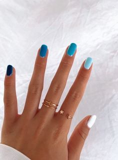 In seek out some nail designs and ideas for your nails? Here's our listing of must-try coffin acrylic nails for modern women. Aycrlic Nails, Glitter Nails, Teen Nails, Coffin Nails, Stiletto Nails, Sparkle Acrylic Nails, Claw Nails, Best Acrylic Nails, Gel Nail Art