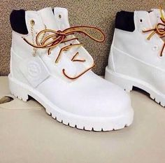 White Timberland Boots, White Timberlands, Timberlands Shoes, White Boots, Timberland Pro, Dr Shoes, Hype Shoes, Shoes Sneakers, Gold Shoes