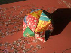 https://1aixoise.wordpress.com/2011/12/15/origami-boule-boite-modulaire-diy-do-it-yourself-tutorial/