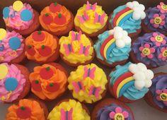 My Little Pony cupcakes www.kittiskakes.com My Little Pony Cupcakes, Fancy Cupcakes, 4th Birthday Cakes, Birthday Parties, Birthday Ideas, Cumple My Little Pony, Rainbow Treats, My Little Pony Birthday Party, Birthdays