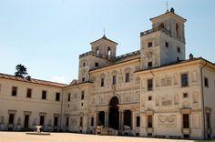 La fantástica Villa Medici en la colina del Pincio, fue fundada por Fernando I de Medici, Gran Duque de Toscana. Esta fue la primera propiedad de los Médici en #Roma. http://www.viajararoma.com/lugares-para-visitar-en-roma/villa-medici/ #viajar #Italia