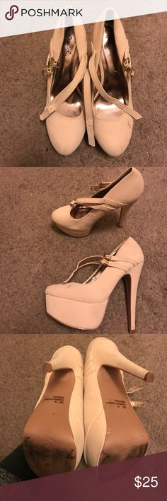 Charolette Russe Beige Platforms In decent condition , slightly dirty from the bottom and minor dirt on sides , size 7.5 just trying to get rid of them Charolette Russe Shoes Platforms