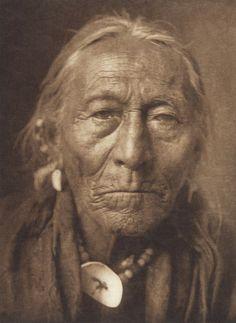 Hunts the Enemy - Apsaroke (The North American Indian, v. IV. Cambridge, MA: The University Press, 1909)
