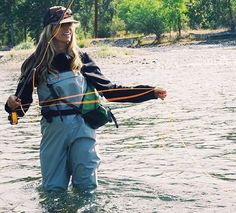 Fishing in Style Fly Fishing Tips, Fishing Girls, Gone Fishing, Best Fishing, Trout Fishing, Kayak Fishing, Fly Girls, Fishing Tackle, Fishing Poles