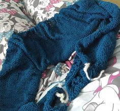 Finally some knitting...  a cardi I am testing for @letipandabc named phuki! Going along diag 3  by disoux