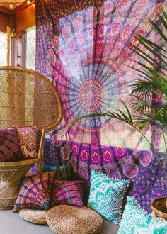 Buy hippie mandala tapestry wall hanging cheap dorm room wall decor tapestry on sale. We offer twin dorm room bedding sofa couch throws cotton mandala yoga mats Bohemian Patio, Bohemian House, Bohemian Living, Bohemian Decor, Boho Gypsy, Gypsy Soul, Boho Hippie, Bohemian Jewelry, Boho Tapestry