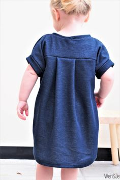 Sewing For Kids Clothes Lena dress gratis naaipatroon – free pattern Baby Girl Dresses Diy, Baby Dress Clothes, Sewing Kids Clothes, Kids Clothing, Diy Clothes, Baby Dress Patterns, Sewing Patterns For Kids, Sewing For Kids, Clothing Patterns