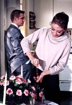 Audrey Hepburn, Breakfast At Tiffany's. Divas, Old Movies, Vintage Movies, Aubrey Hepburn, George Peppard, Holly Golightly, Breakfast At Tiffanys, Celebs, Celebrities