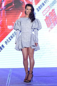 "Evangeline Lilly in Toni Maticevski attends the ""Ant Man and the Wasp"" Taiwan photocall. Blake Lively Bikini, Evangelina Lilly, Hollywood Actresses, Actors & Actresses, Nicole Evangeline Lilly, Samantha Robinson, Canadian Actresses, Kirsten Dunst, Marvel"