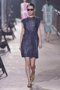 Mint Design - Ready-to-Wear - Runway Collection - Women Spring / Summer 2015 - See more at: http://firstview.com/collection.php?p=50&id=40457&of=73#sthash.ZLsmdAG9.dpuf