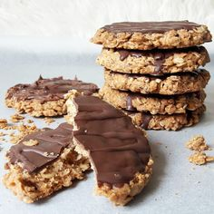 Fit ciastka choco grains – Tetiisheri Chocolates, Helathy Food, Hoe Cakes, Oatmeal Recipes, Healthy Sweets, Pavlova, Cookie Recipes, Food Porn, Food And Drink