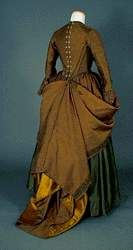 Antique Clothing, Historical Clothing, Mode Pirate, 1700s Dresses, 17th Century Fashion, Gown Gallery, Pirate Fashion, 18th Century Costume, Costumes For Women