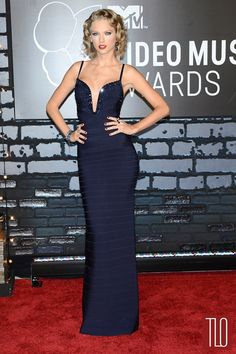 Taylor Swift in Hervé Léger By Max Azria at the 2013 MTV VMAs | Tom & Lorenzo Fabulous & Opinionated