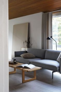 A new Danish Design Classic - The BM0488 Table Bench by Carl Hansen & Son