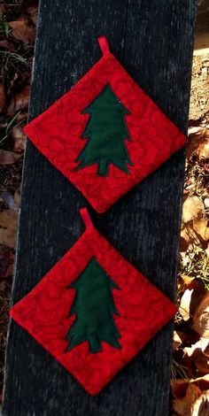 Christmas Tree Pot Holder Set of 2 by marylandquilter on Etsy, $15.00