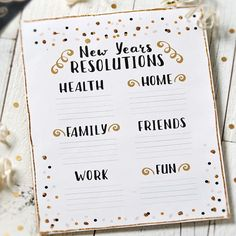 2016 is right around the corner, what are your #NewYearsResolutions? Grab this #free printable to plan your 2016 resolutions through the #linkinprofile! ✨