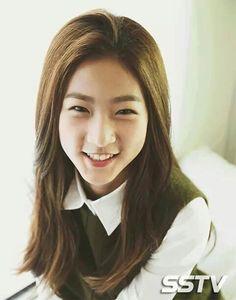 Kim Sae Ron Korean Actresses, Korean Actors, Korean Drama Movies, Korean Dramas, High School Love, Best Kdrama, Asian Woman, Eye Candy, Kpop