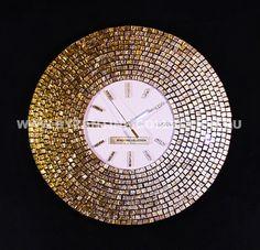 """Часы Настенные в стиле Арт-Деко """"Золотое Солнце"""", Циферблат из белого цветного стекла, коллекция """"Золото Флоренции"""", желтое золото Внешний размер часов - 45 см, размер циферблата - 21 см, толщина вместе с механизмом - 4.5 см. Механизм кварцевый плавного хода. Настенные в стиле Арт-Деко, """"Золотое Солнце"""", коллекция """"Золото Флоренции"""" из смальты желтого золота. Изысканная роскошь от мастерской золотой мозаики """"Byzantine-Collection"""" http://byzantine-collection.ru из смальты желтого золота."""