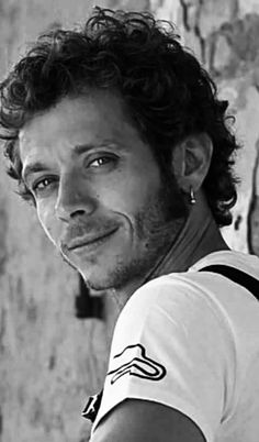 Valentino Rossi Foto Valentino Rossi, Sepang, Vr46, Famous Men, Motogp, Leather And Lace, Race Cars, Athlete, Champion