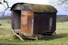 The Flying Tortoise: The Simple Beauty Of The Traditional Shepherd's Hut. Stove Installation, Gypsy Wagon, Gypsy Caravan, Metal Shed, Tin House, Shepherds Hut, Vintage Caravans, Mobile Home, Glamping
