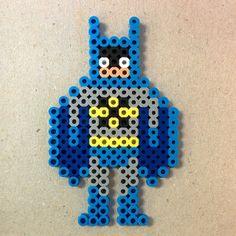 LOL this Batman perler bead sprite by schenjoe is super cute !!