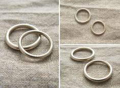 Obrączki ślubne, białe złoto, matowe, przekrój okrągły, minimalizm yuvel.pl / Wedding rings, wedding bands, white gold, modern yuvel.pl