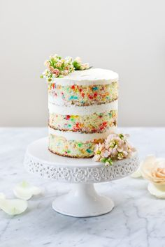 Constellation Inspiration: Funfetti Cake with Whipped Cream Cheese Frosting Whipped Cream Cakes, Whipped Cream Cheese Frosting, Cake With Cream Cheese, Pretty Cakes, Beautiful Cakes, Confetti Cupcakes, Brownie, Piece Of Cakes, Yummy Cakes