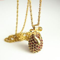 Vintage Joan Rivers Ruby Red Rhinestone Faberge Egg Pendant Necklace.