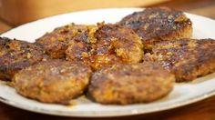 Buletten nach Tim Mälzer Snack Recipes, Cooking Recipes, Snacks, Beef Steak, Pork, Meat Cake, Tasty, Yummy Food, Albondigas