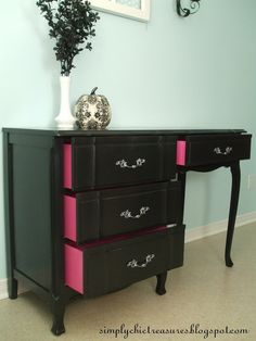 Love the idea of the color peeking out. Want to redo dresser but purple not pink