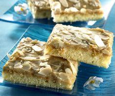 Mokkaneliöt on yksi suosituimmista resepteistä! #mokkaneliot #mokkaruudut #mokkapalat #tuulomaantorttu Krispie Treats, Rice Krispies, Joko, Apple Pie, Waffles, Sweets, Breakfast, Desserts, Morning Coffee