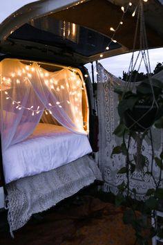 Have a look at this amazing van life interior - what a creative conception Auto Camping, Van Camping, Camping Life, Camping Ideas, Dream Dates, Van Car, Van Home, Bus Life, Van Interior