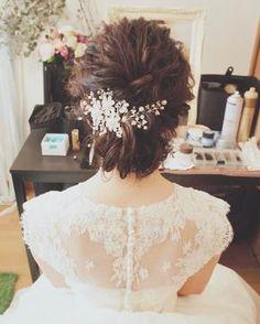 * @tessei_ttb でのウエディングパーティーのお支度をさせて頂きました♡ * 一目惚れのナチュラルなドレスに合わせてゆるめのウエーブシニヨンに。 * * #パーティー #ウエディングパーティー #ttbanquet #レストランウェディング #2017夏婚 #2017秋婚 #2017冬婚 #2018春婚 #プレ花嫁 #日本中のプレ花嫁さんと繋がりたい #卒花嫁 #ヘアメイク#ヘアアレンジ #波ウエーブ #かわいい #オリジナルウエディング #オシャレ #ナチュラル #シニヨンアレンジ #wedding #hair #結婚式準備 #結婚準備 #フリーランスヘアメイク #出張ヘアメイク #神戸 #大阪 #心斎橋 #京都