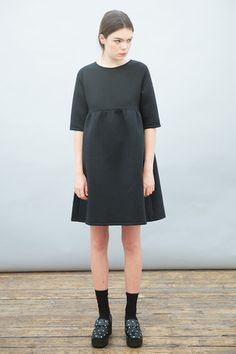 Keyhole Back Smock Dress Black - THE WHITEPEPPER