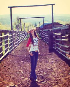 """Original Cowgirl®  #barrelracer #barrelracing #originalcowgirlclothingco #dallasmarket #model #originalcowgirl #cowgirlstyle #countrygirl #ranch"""