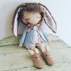 Another peter rabbit custom order completed. I'll be making a few more to put in my shop in the near future. ..keep watching xx