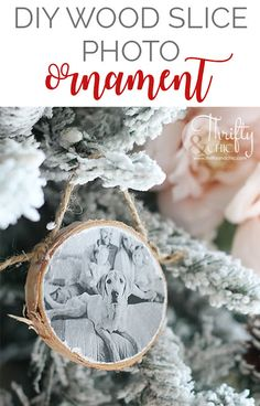 DIY Christmas gift ideas for family. How to make a wood slide family photo ornament. Picture Christmas Ornaments, Diy Photo Ornaments, Diy Christmas Gifts For Family, Christmas Ornament Crafts, Wood Ornaments, Christmas Wood, Christmas Presents, Beach Christmas, Christmas Girls