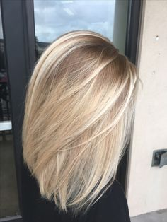Hairstyles with highlights Neue kurze blonde Haar-Dunkelwurzeln Raízes escuras novas do cabelo louro curto # peruca # Peruca escura Blonde Hair Makeup, Balayage Hair Blonde, Brunette Hair, Blonde Hair Mask, Baby Blonde Hair, Short Balayage, Hair Shadow, Shadow Roots, Short Blonde