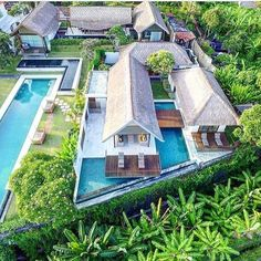 So excited to be heading to my fave @lifestyleretreats residence #TheSamataSanur in three weeks! I'll be hosting some amazing women and we're going to have the most amazing retreat! We're going to visit some of my fave places in Bali enjoy cooking classes have spa treatments meditation classes learn how to give a traditional Balinese massage and participate in some special rituals hosted by @saraspaceinbetween! There's a few spots left- so if you're looking for a February getaway and need a…
