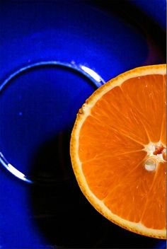 New Fruit Photography Orange Color Combos Ideas Contrast Photography, Color Photography, Fruit Photography, Photography Ideas, Colour Schemes, Color Combos, Orange Aesthetic, Complimentary Colors, Blue China