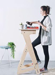 Jaswig Nomad All Natural, Wooden, Height Adjustable Home Office Standing Desk. Learn More Here!