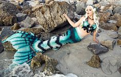 Sea Witch and siren of Lauren seadome. Names oracle 18 and professional. Realistic Mermaid Tails, Diy Mermaid Tail, Mermaid Pose, Silicone Mermaid Tails, Mermaid Fin, Mermaids Exist, Real Mermaids, Mermaids And Mermen, Professional Mermaid
