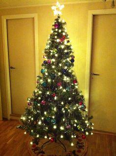 Love christmas :) Fjorårets juletre med mange farger.