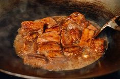 Braised pork ribs and taro stew is one of those lesser known Chinese comfort food dishes that our family used to make during the colder months. Pork ribs and Taro braised in the stock created from the pork ribs makes this dish especially tasty! Braised Pork Ribs, Taro Cake, Five Spice Powder, Pork Rib Recipes, Duck Sauce, Hoisin Sauce, Food Dishes, Stew
