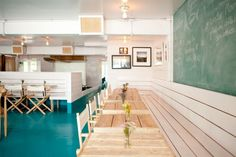 Check out our exclusive interview with Montauk's The Surf Lodge's Chris Rendell and get his take on food and Montauk living. Surf Cafe, Beach Cafe, Seafood Restaurant, Restaurant Design, Surf Station, Aussie Bbq, Sweet Home Design, Surf Shack, Beach Houses