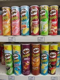 pringles flavors that i haven't ever heard of! I Want Food, Cute Food, Good Food, Yummy Food, Pringle Flavors, Best Junk Food, Chocolate House, Snack Items, Potato Crisps