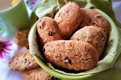 Печенье с рисовой мукой, сушеными фруктами, изюмом и шоколадом